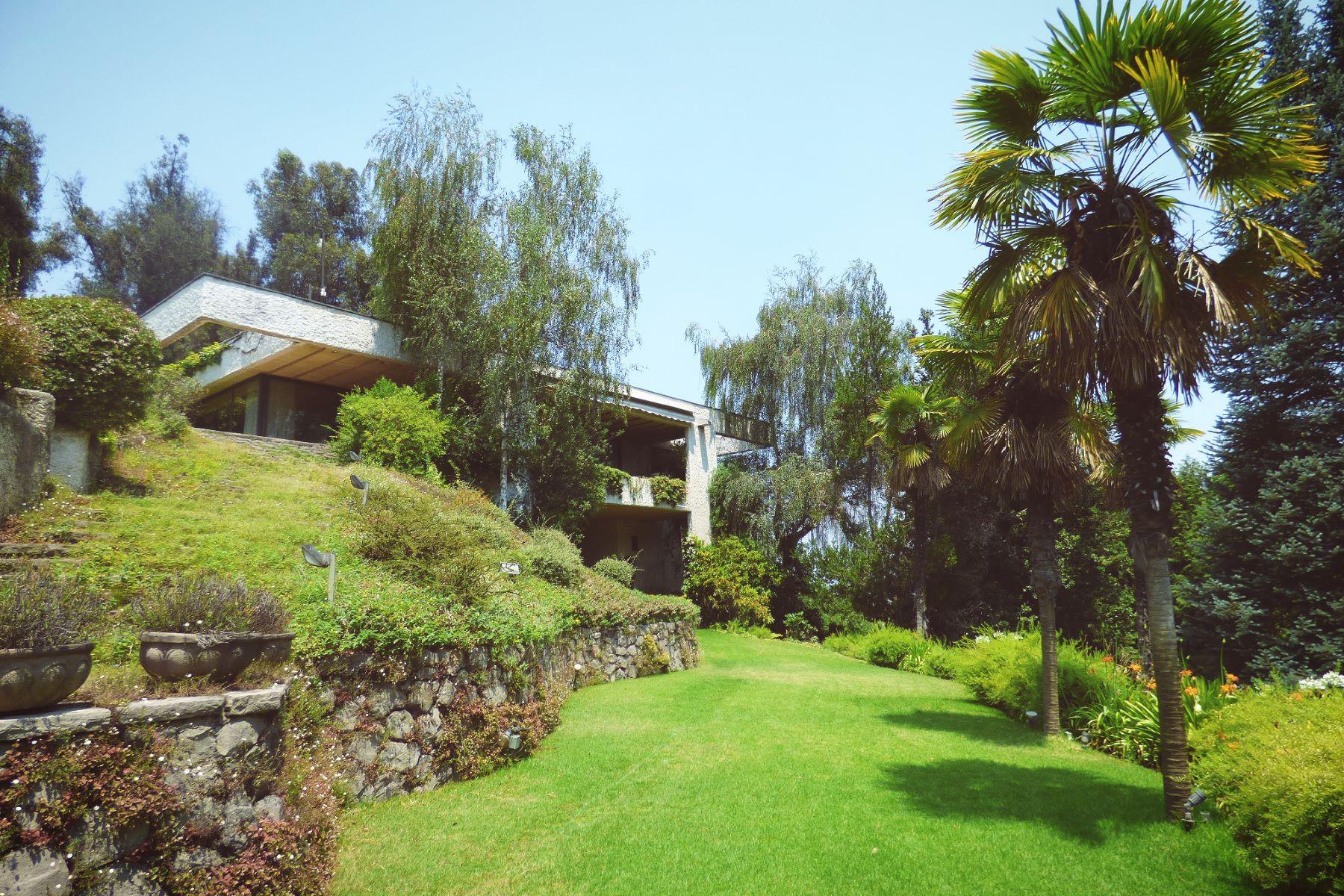 Casa por un Venta en Inspirador entorno en medio de la ciudad - Lo Curro Vitacura, Santiago, Region Metropolitana De Santiago Chile