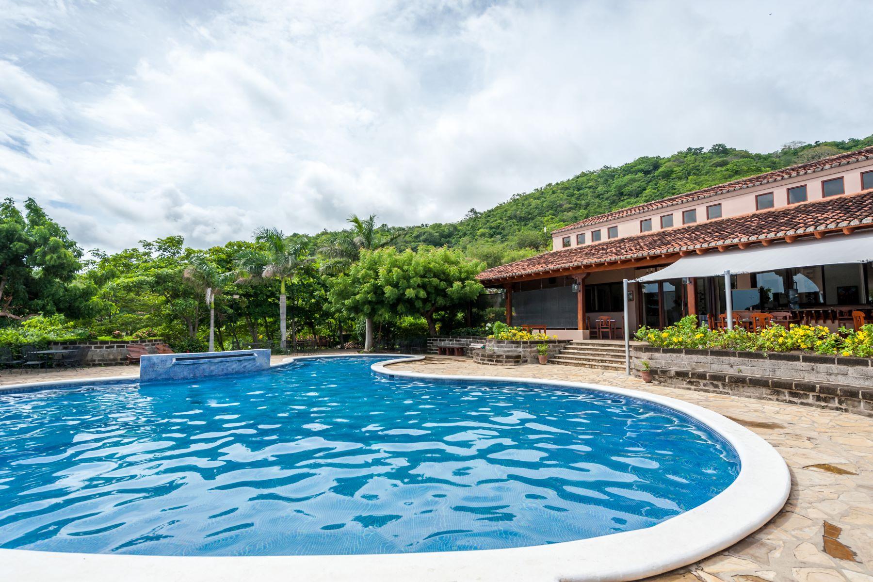 Maison unifamiliale pour l Vente à Two Bedroom Villas at an Incredible Value San Juan Del Sur, Rivas, Nicaragua