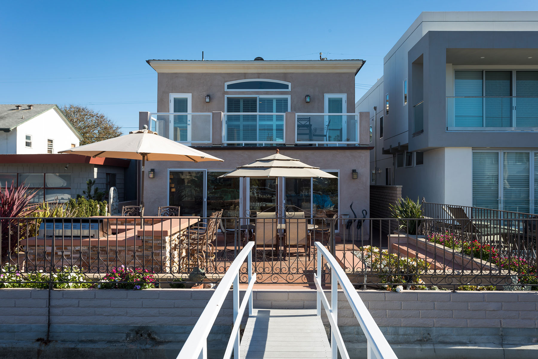 Maison unifamiliale pour l Vente à 507 36th Street Newport Beach, Californie, 92663 États-Unis