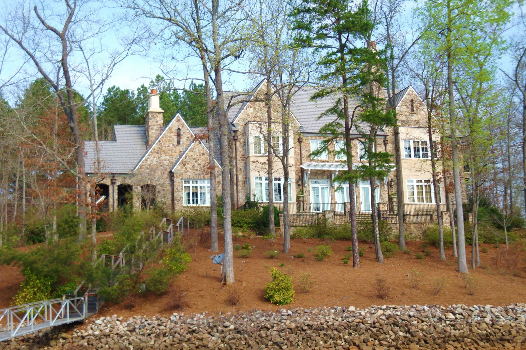 Villa per Vendita alle ore Timeless Architecture 914 Rippling Water Way The Cliffs At Keowee Falls, Salem, Carolina Del Sud, 29676 Stati Uniti