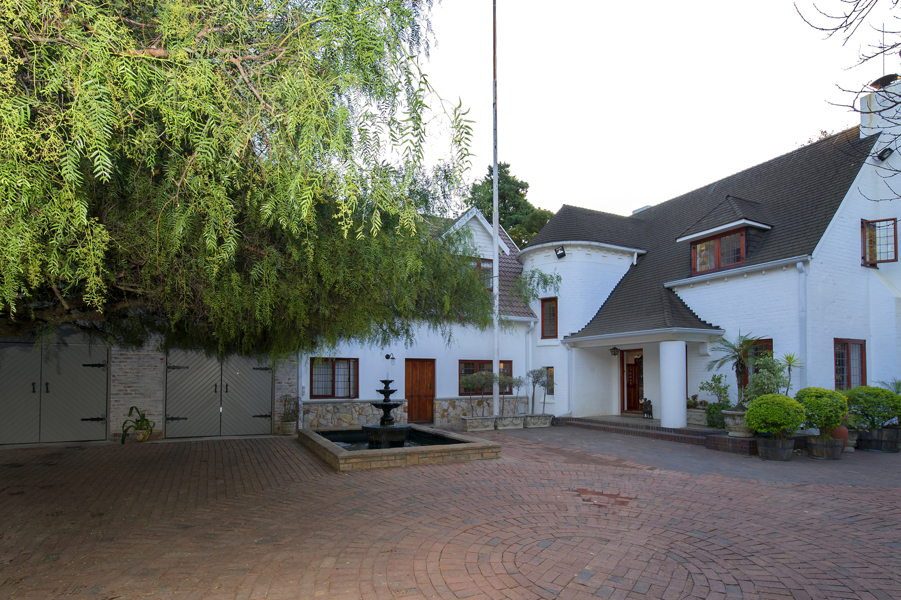 Single Family Home for Sale at Linksfield North Johannesburg, Gauteng, 2007 South Africa