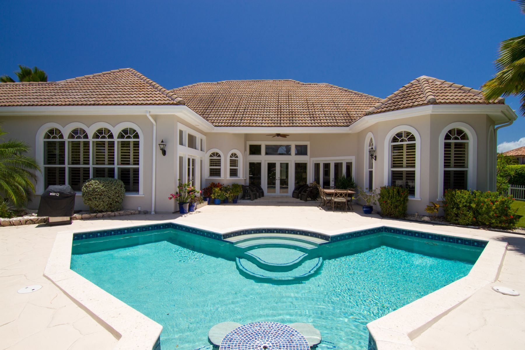 Single Family Home for Sale at Villa Paradiso Crystal Harbour, Cayman Islands
