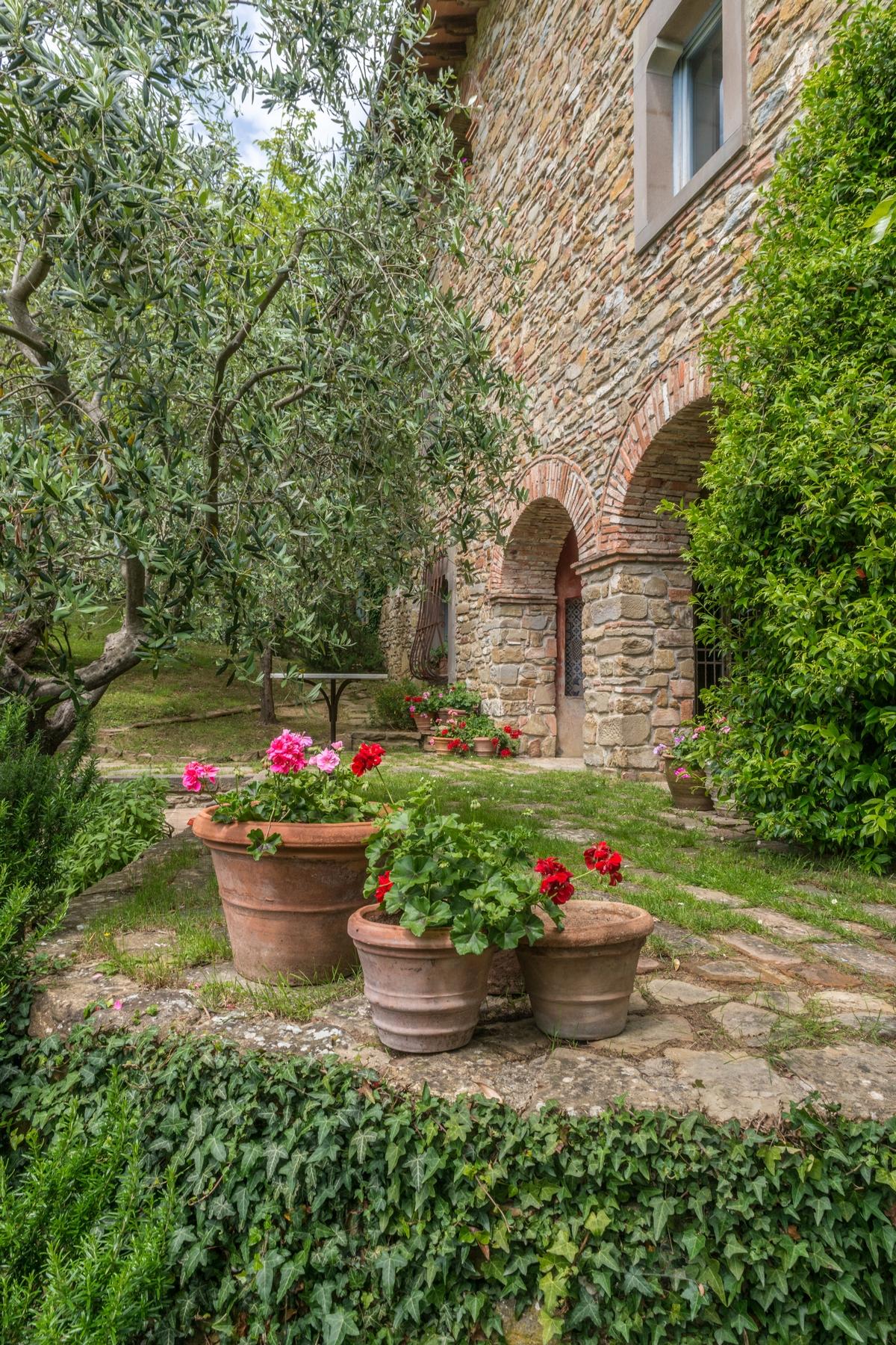Villa per Vendita alle ore Splendido casale ristrutturato con annessi Via Carniano Barberino Di Mugello, Firenze 50031 Italia