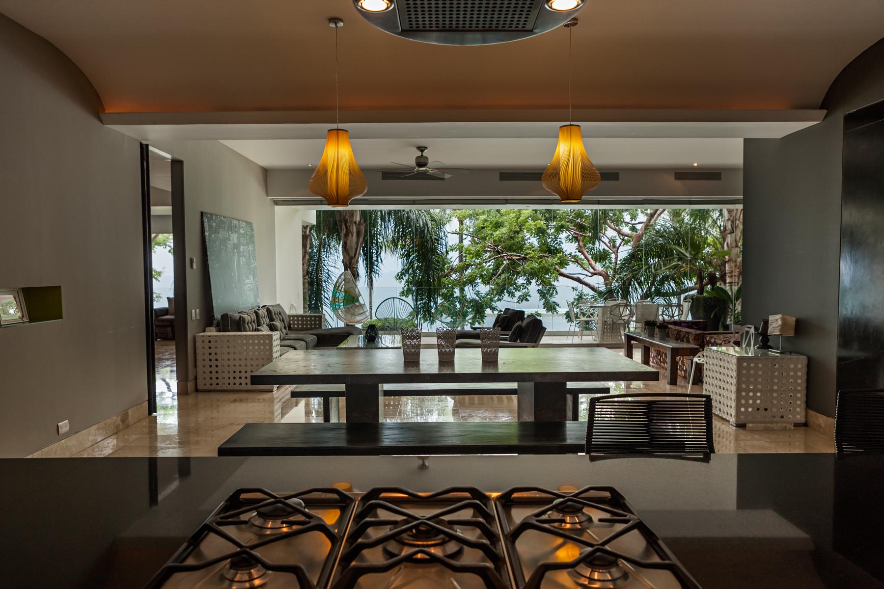 Additional photo for property listing at Avalon 202, Luxury Apartment in Puerto Vallarta Torre Avalon, Depto 202 Calle Gardenias 248 Puerto Vallarta, Jalisco 48399 México