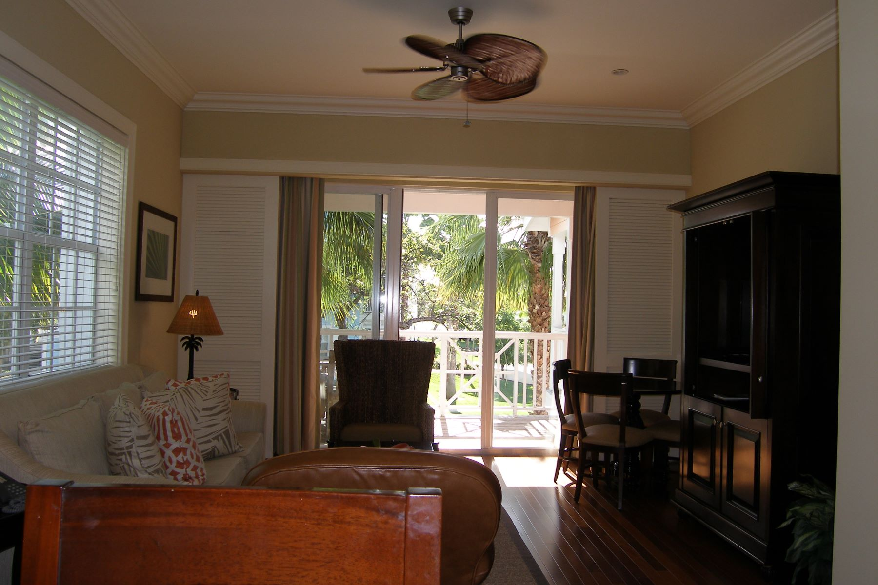 Additional photo for property listing at Valentines Resort 205 Exuma Harbour Island, Eleuthera Bahamas