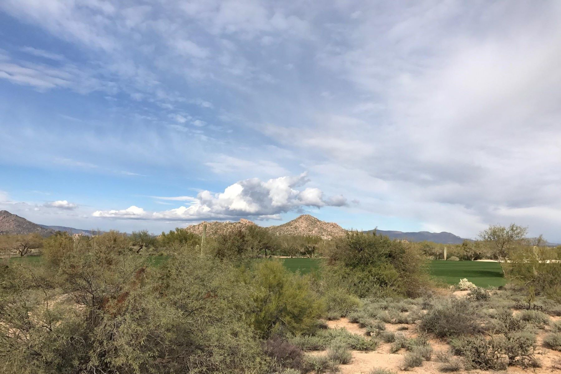Terreno por un Venta en Beautiful lot on the golf course in Whisper Rock 7618 E Whisper Rock Trl #50 Scottsdale, Arizona, 85266 Estados Unidos