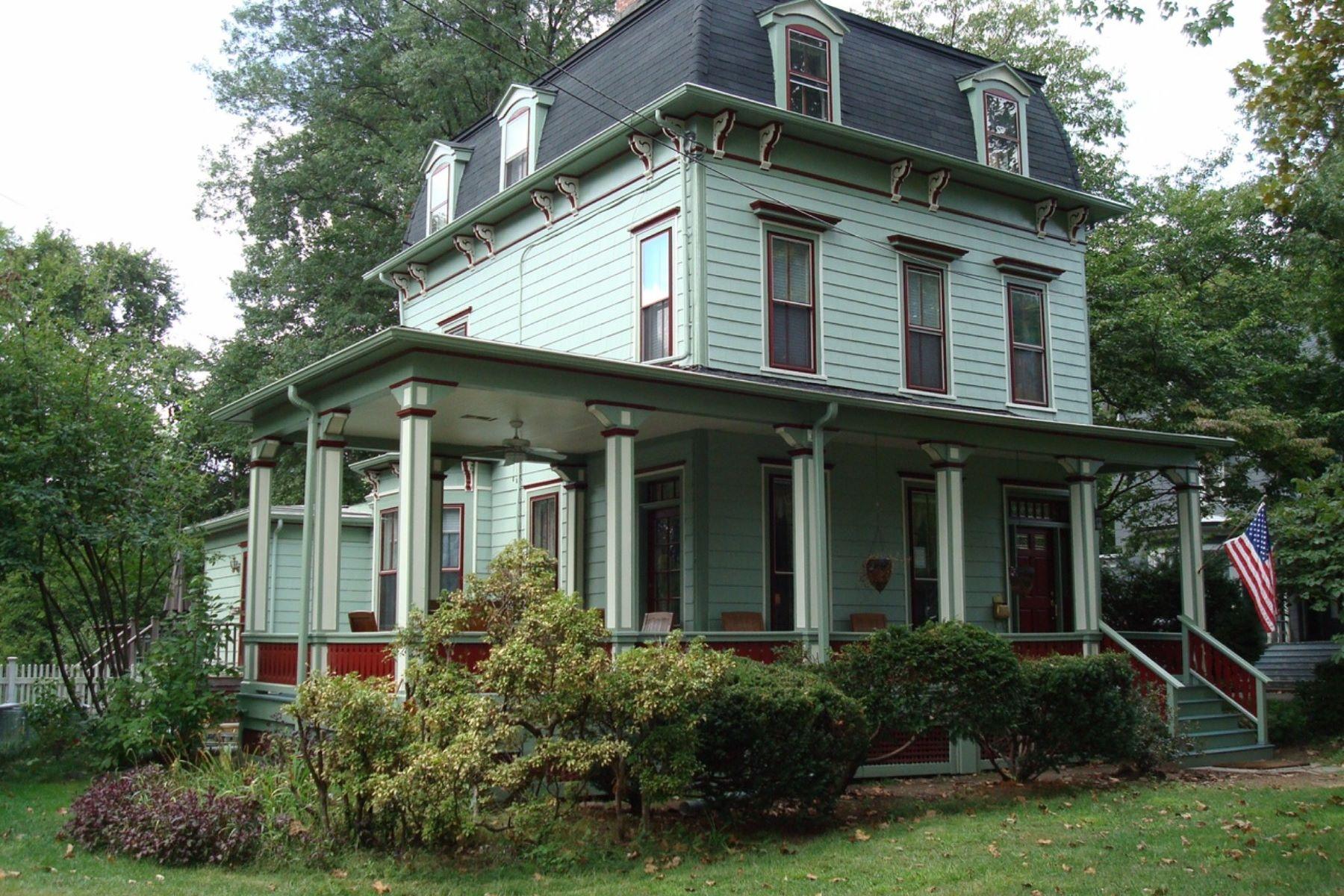 独户住宅 为 销售 在 Victorian Jewel 22 Forest Ave 克兰弗德, 07016 美国
