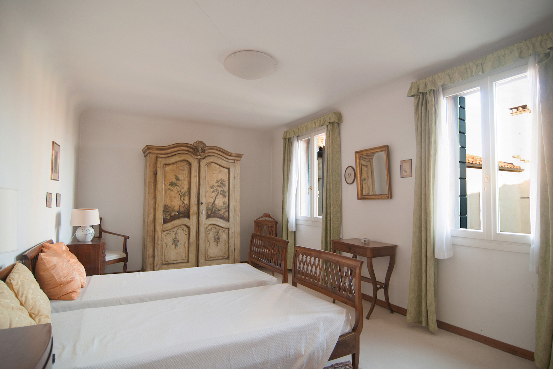 Additional photo for property listing at Grand Canal Palazzetto top floor apartment with lift and stunning views Venice, Venice Italy