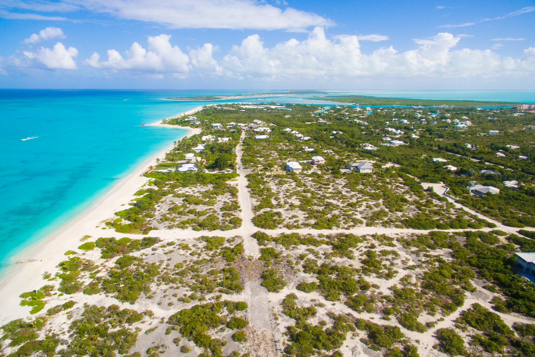 Additional photo for property listing at BEACH ENCLAVE GRACE BAY Design A Oceanview Grace Bay, Providenciales TCI Turks And Caicos Islands