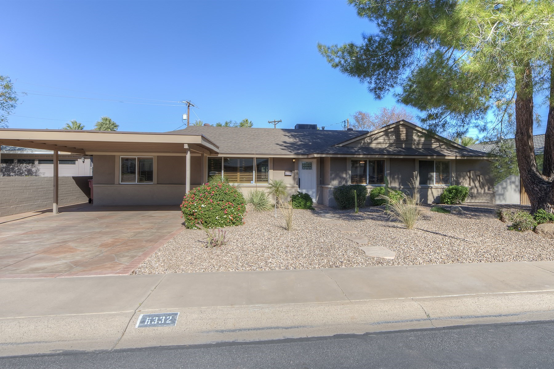 Casa Unifamiliar por un Venta en charming ranch home in Melrose Meadows 6332 E Earll Dr Scottsdale, Arizona, 85251 Estados Unidos