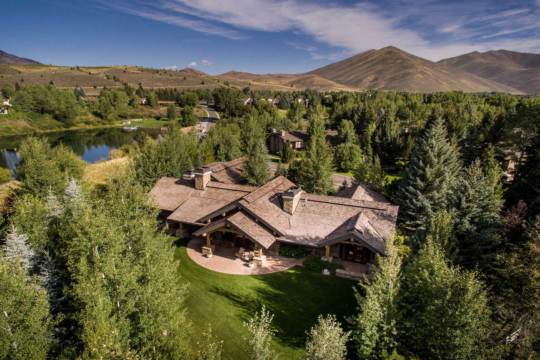 Additional photo for property listing at Overlooking the Lake  Sun Valley, Idaho 83353 États-Unis