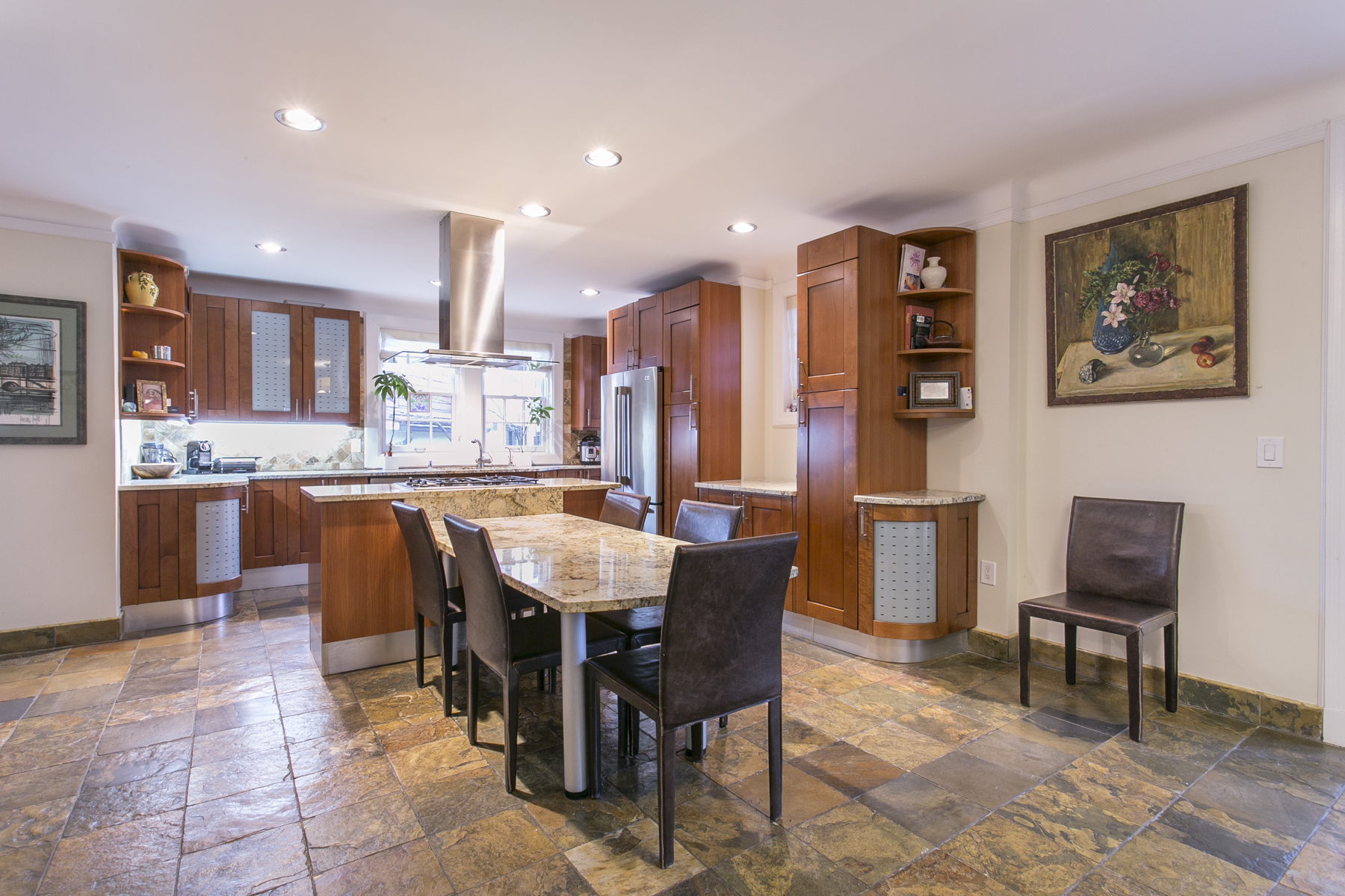 "Additional photo for property listing at ""COMBINING HISTORIC CHARM WITH UPSCALE CONTEMPORARY AMENITIES"" 78 Dartmouth Street, Forest Hills Gardens, Forest Hills, Nueva York 11375 Estados Unidos"