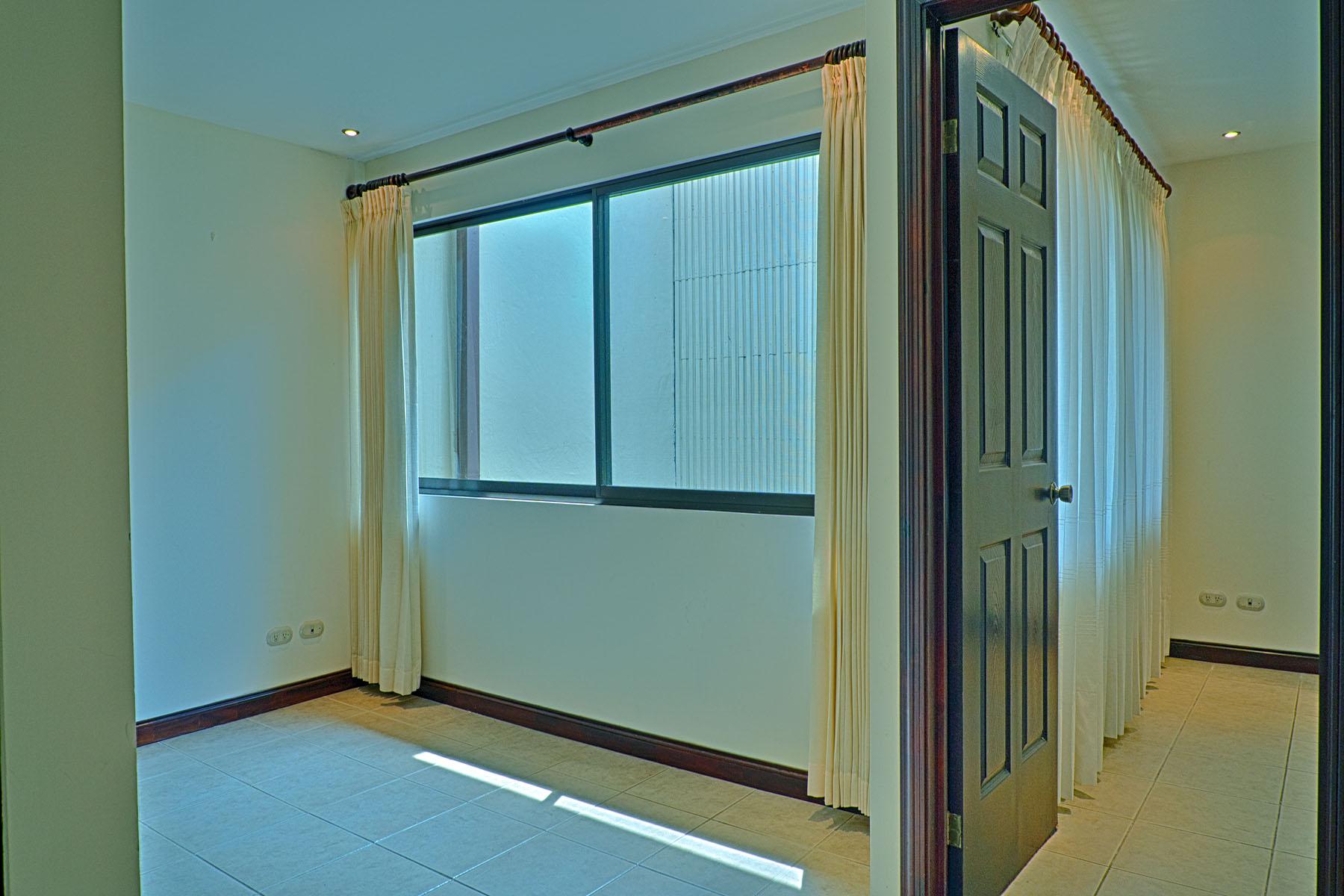 Additional photo for property listing at Casa la Morena Escazu, San Jose Costa Rica
