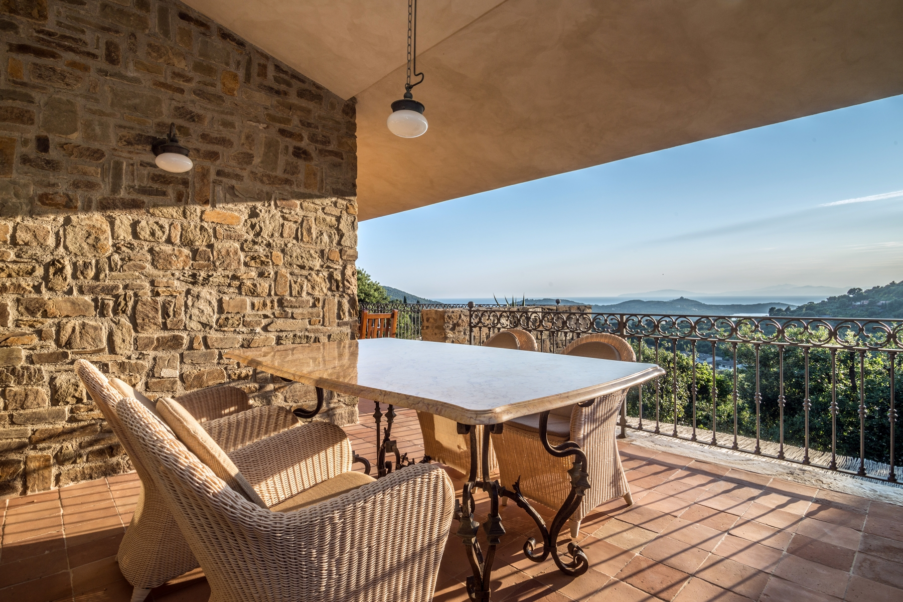 Additional photo for property listing at Sophisticated villa in the green with views of the Gulf Punta Ala Punta Ala, Grosseto 58043 Italien