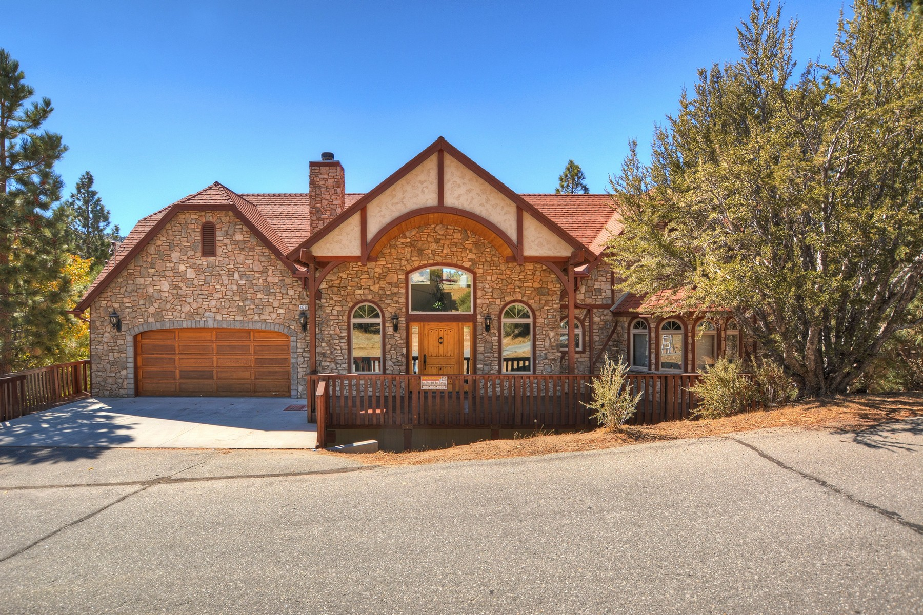 Single Family Home for Sale at 43731 Canyon Crest Big Bear Lake, California 92315 United States