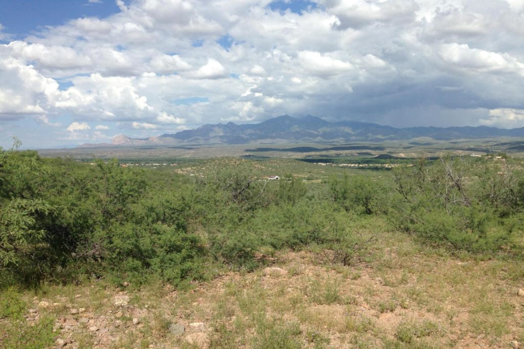 土地 为 销售 在 A stunning view lot in Tubac located in the foothills of the Tumacacori Mtns TBD ALEGRIA B 图巴克, 亚利桑那州, 85646 美国