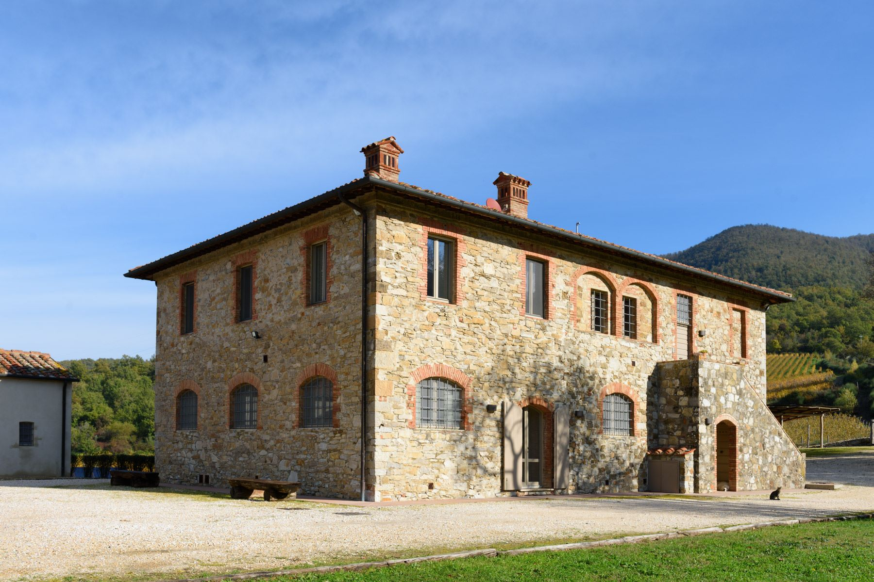 Additional photo for property listing at Medieval castle with hunting ground, wine growers and producers  and farmhouses Radicondoli Siena, Siena 53030 Italy