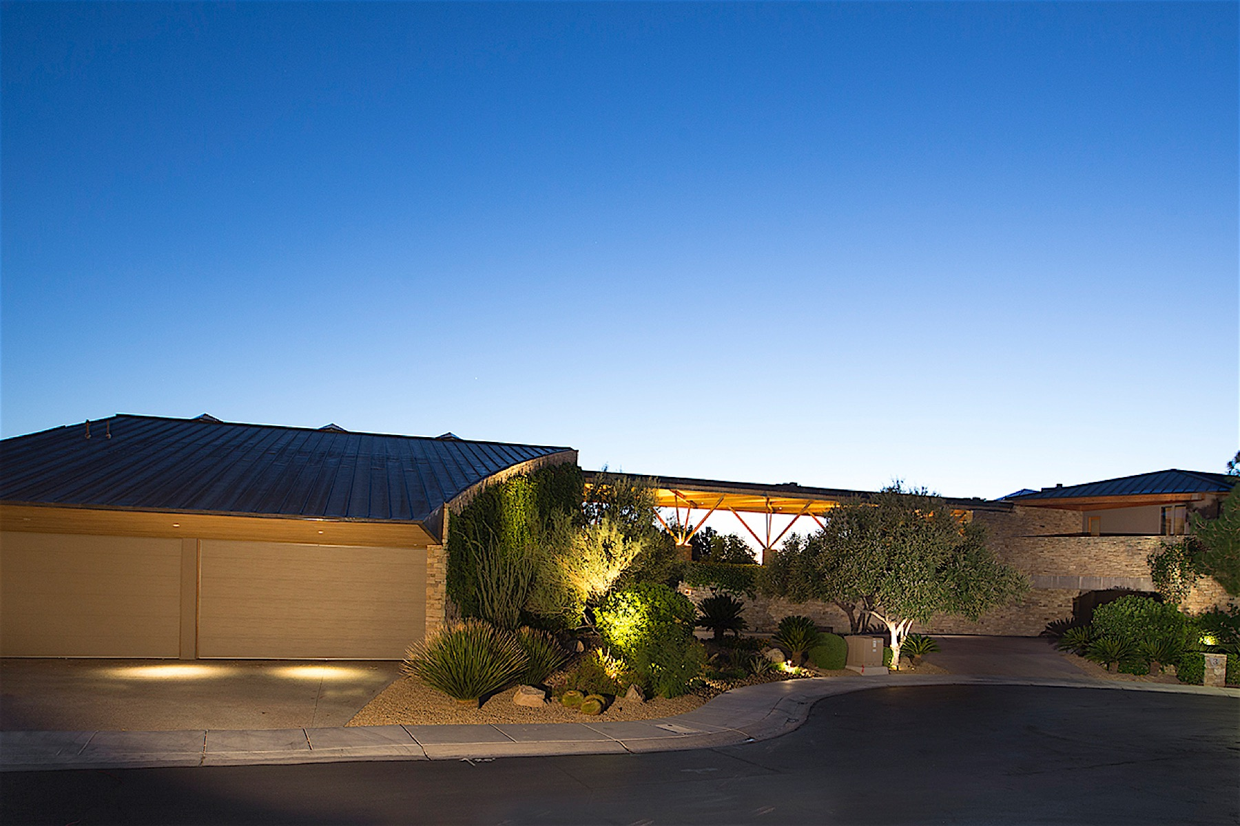 Additional photo for property listing at Silver Rock in Anthem Country Club 3 Anthem Pointe Court Henderson, Nevada 89052 United States