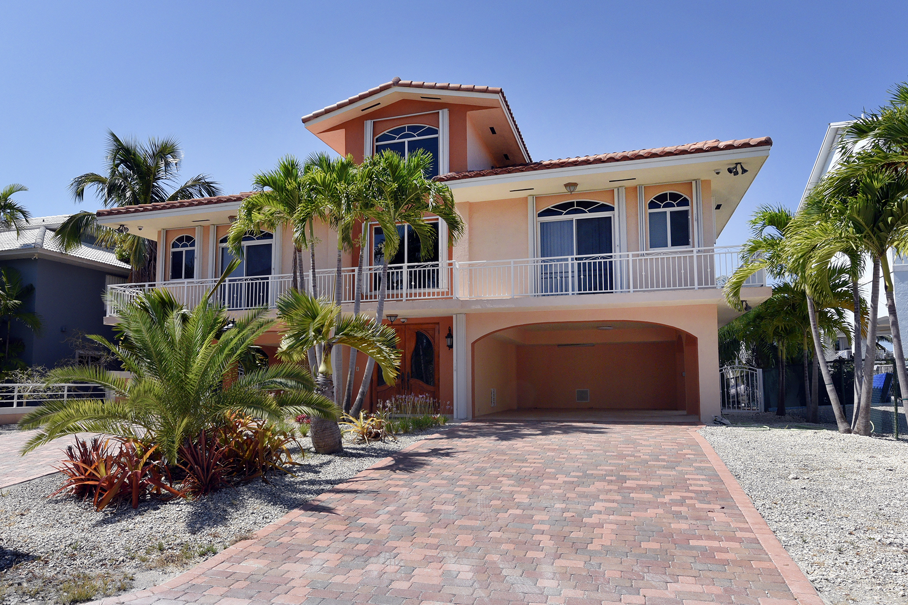 Additional photo for property listing at Grand Canalfront Home 187 Lorelane Place Key Largo, Флорида 33037 Соединенные Штаты