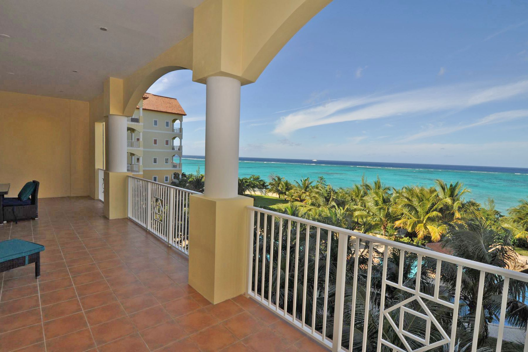 Additional photo for property listing at Caves Heights Caves Heights, West Bay Street, New Providence/Nassau Bahamas