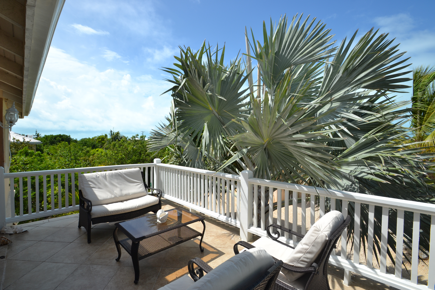 Additional photo for property listing at Discovery Bay Canalfront Discovery Bay Villa, Canalfront Discovery Bay, Providenciales TC Turks And Caicos Islands