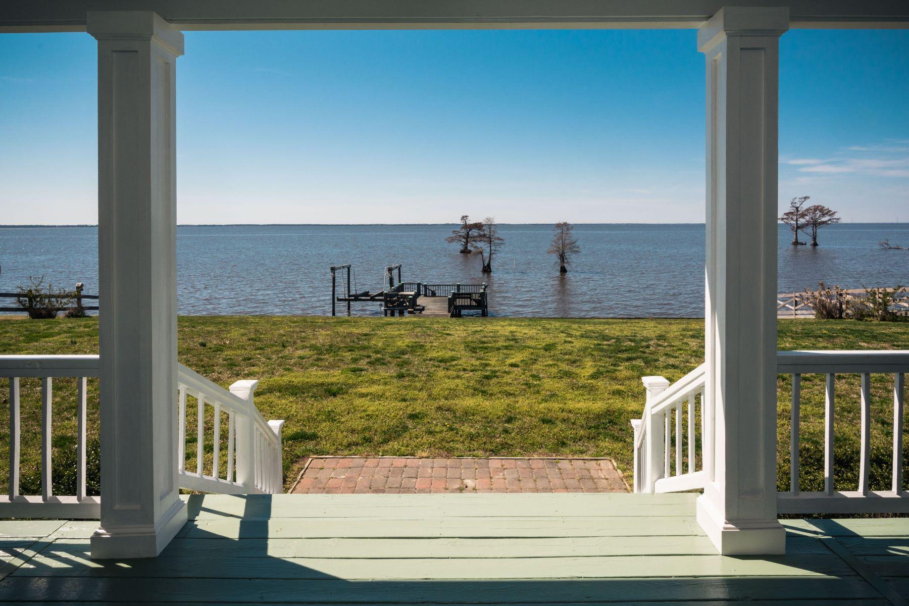단독 가정 주택 용 매매 에 Water & Golf Front Home 119 Benbury Dr Edenton, 노스캐놀라이나, 27932 미국