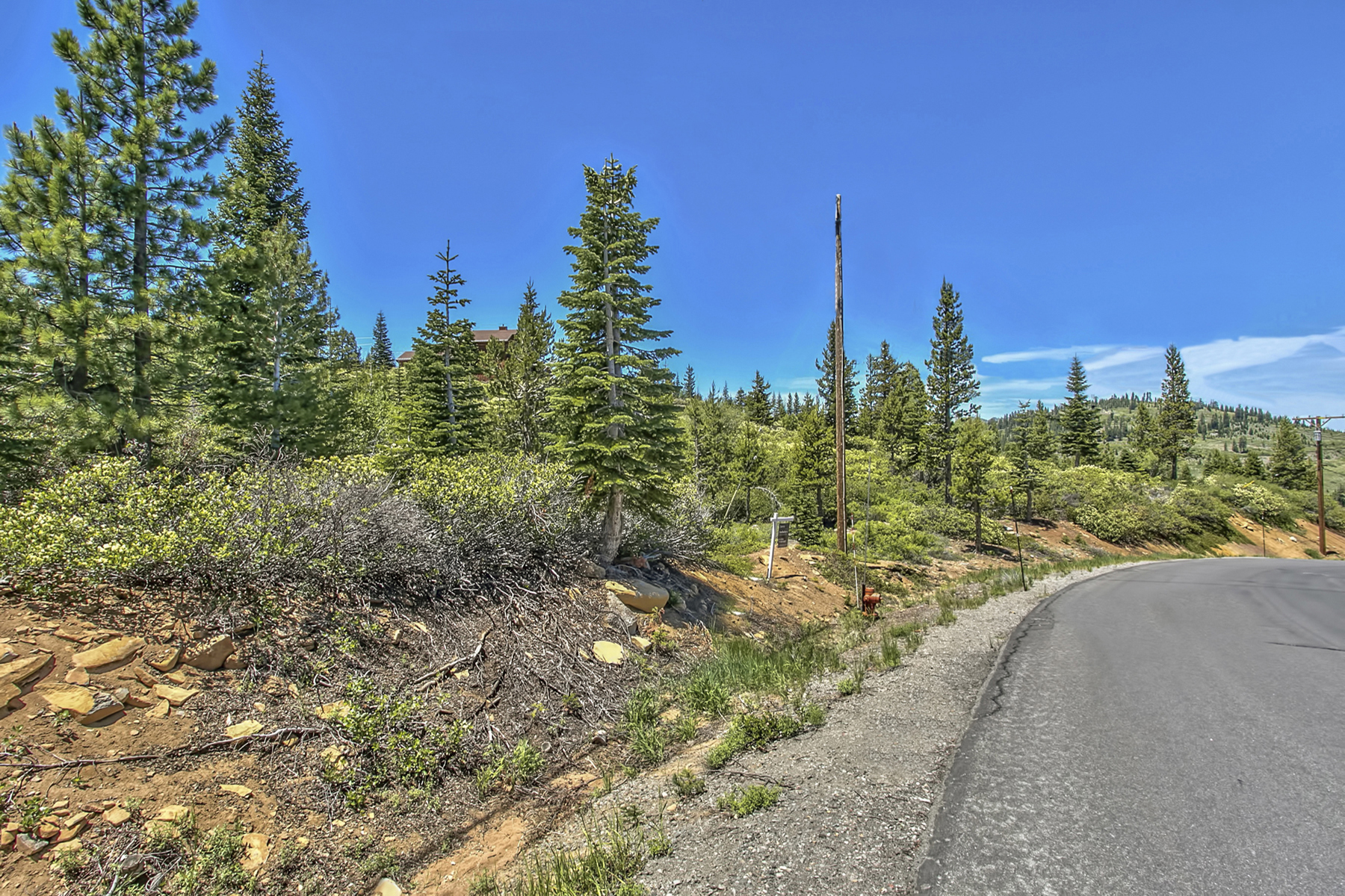 Land for Active at 15092 Skislope 15092 Skislope Way Truckee, California 96161 United States