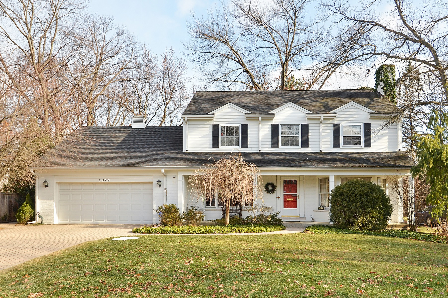 Maison unifamiliale pour l Vente à Beautiful Spacious Home 3029 Iroquois Road Wilmette, Illinois, 60091 États-Unis