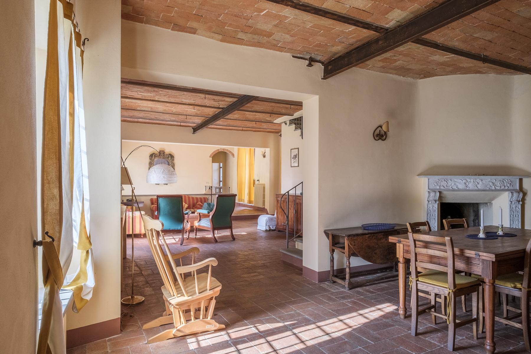 Additional photo for property listing at Splendid apartment in villa Via Gentilino San Casciano In Val Di Pesa, Florence 50026 Italia