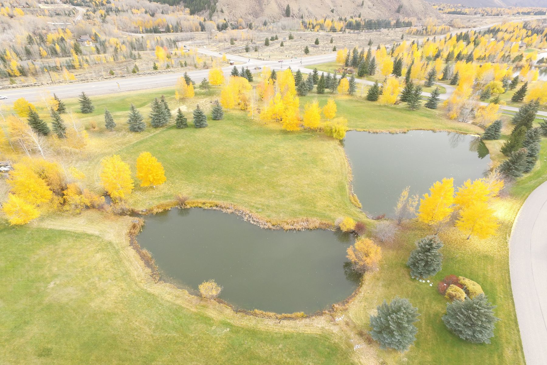 Additional photo for property listing at Golden Eagle Best Value 125 Foothill Drive Ketchum, Idaho 83340 États-Unis