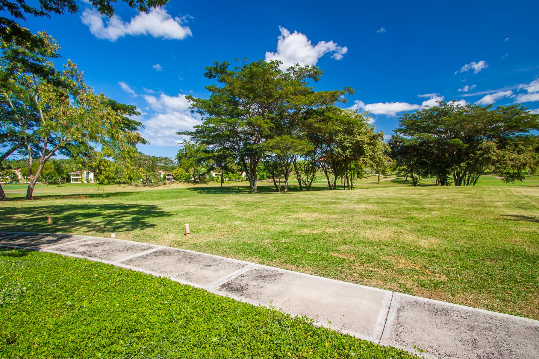 Additional photo for property listing at Llama del Bosque 8 Reserva Conchal, Guanacaste Costa Rica