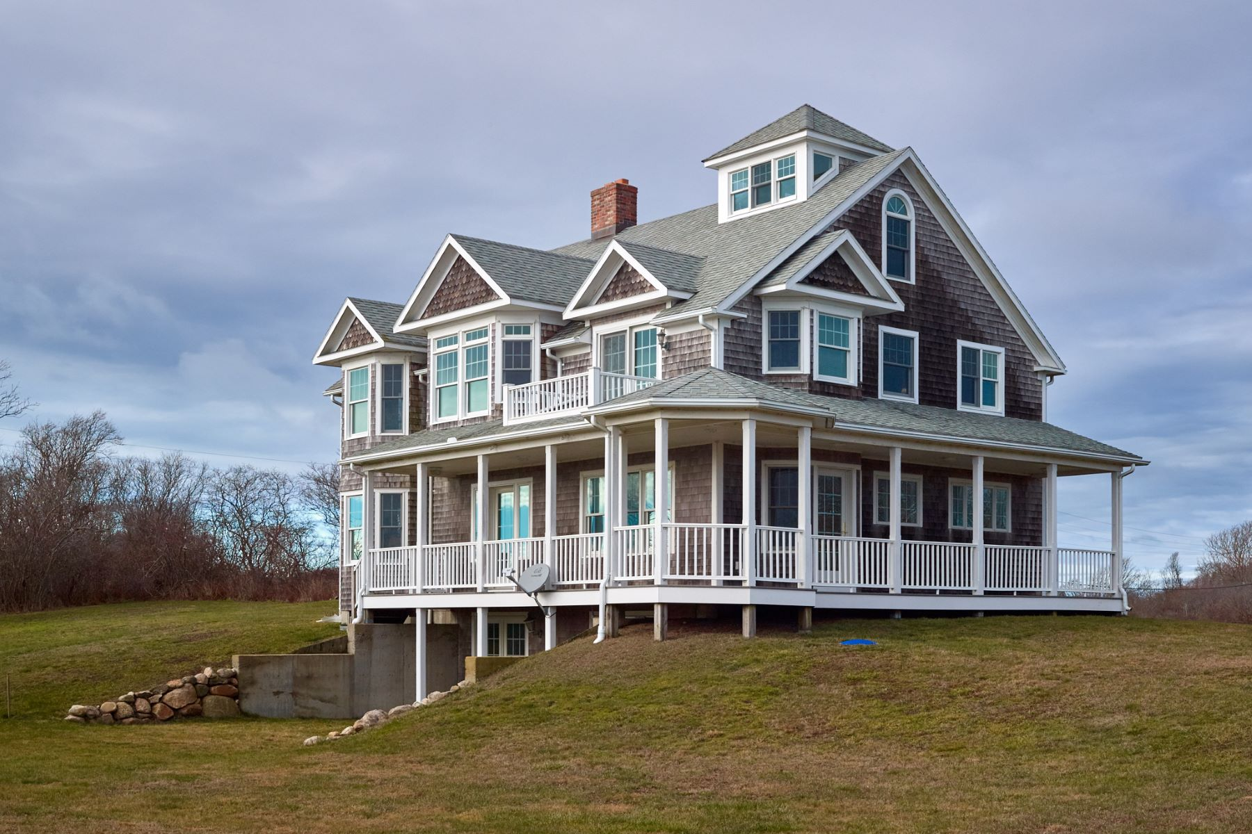 Single Family Home for Sale at Mohegan Cottage 1671 Mohegan Trail Block Island, Rhode Island 02807 United States