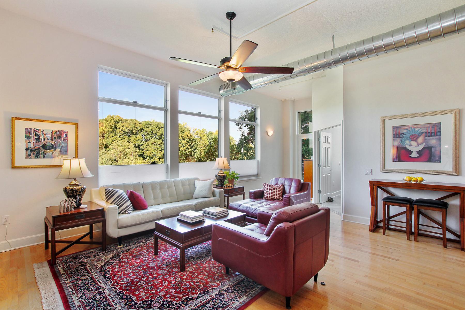 独户住宅 为 销售 在 Luxury City Living 3820 Roswell Road NE Unit 409 亚特兰大, 乔治亚州, 30342 美国