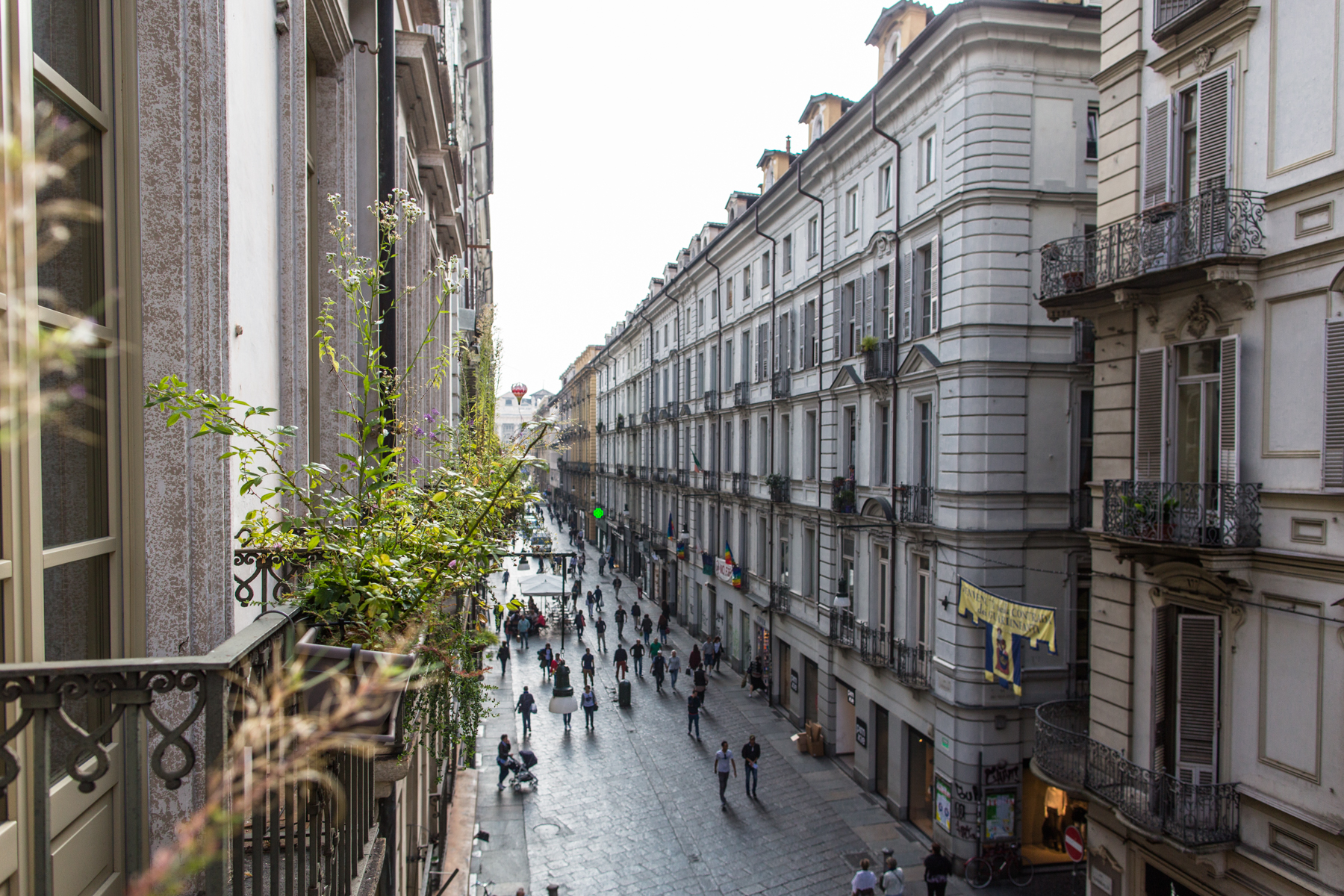 Additional photo for property listing at Elegant and fascinating apartment in the historical center of Turin Via Conte Verde 1 Turin, Turin 10122 Italien