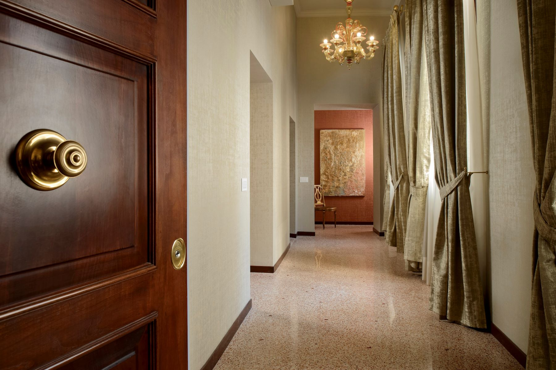 Additional photo for property listing at Vignole apartment at Palazzo Moro Venice Venice Venice, Venice 30124 Italien