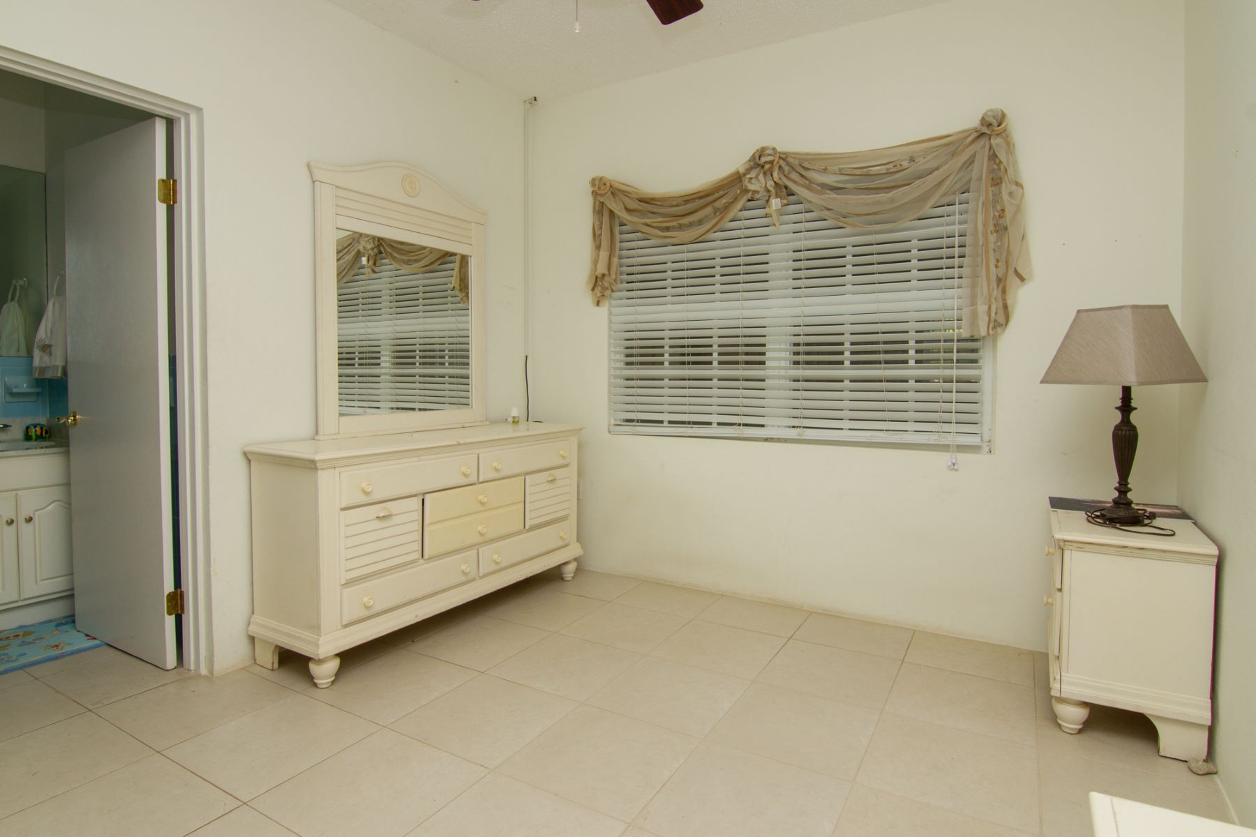 Additional photo for property listing at Plantation Home Satinwood St #47 George Town, Gran Caimán KY1 Islas Caimán