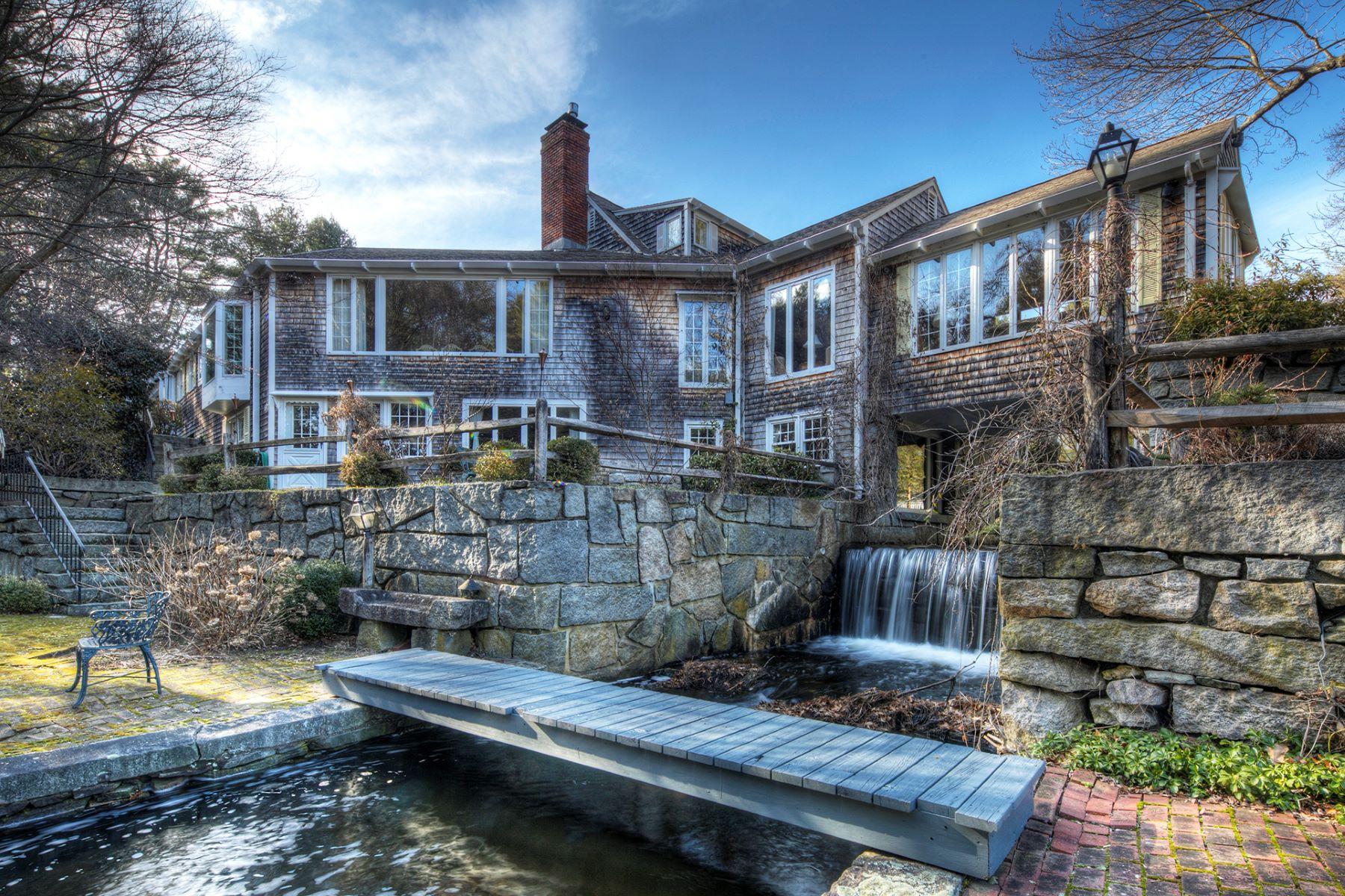 独户住宅 为 销售 在 Pondfront Oasis 18 Rawson Road 坎伯兰郡, 02864 美国