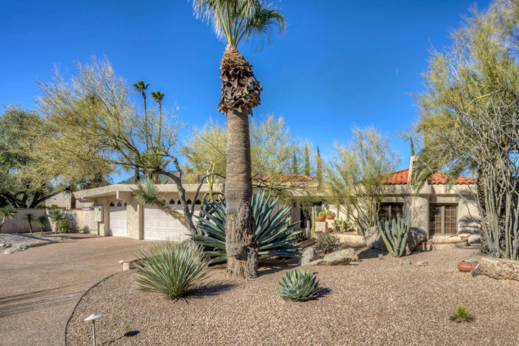 Single Family Home for Sale at Rambling Hacienda in The Boulders 1700 E Staghorn Ln Carefree, Arizona, 85377 United States