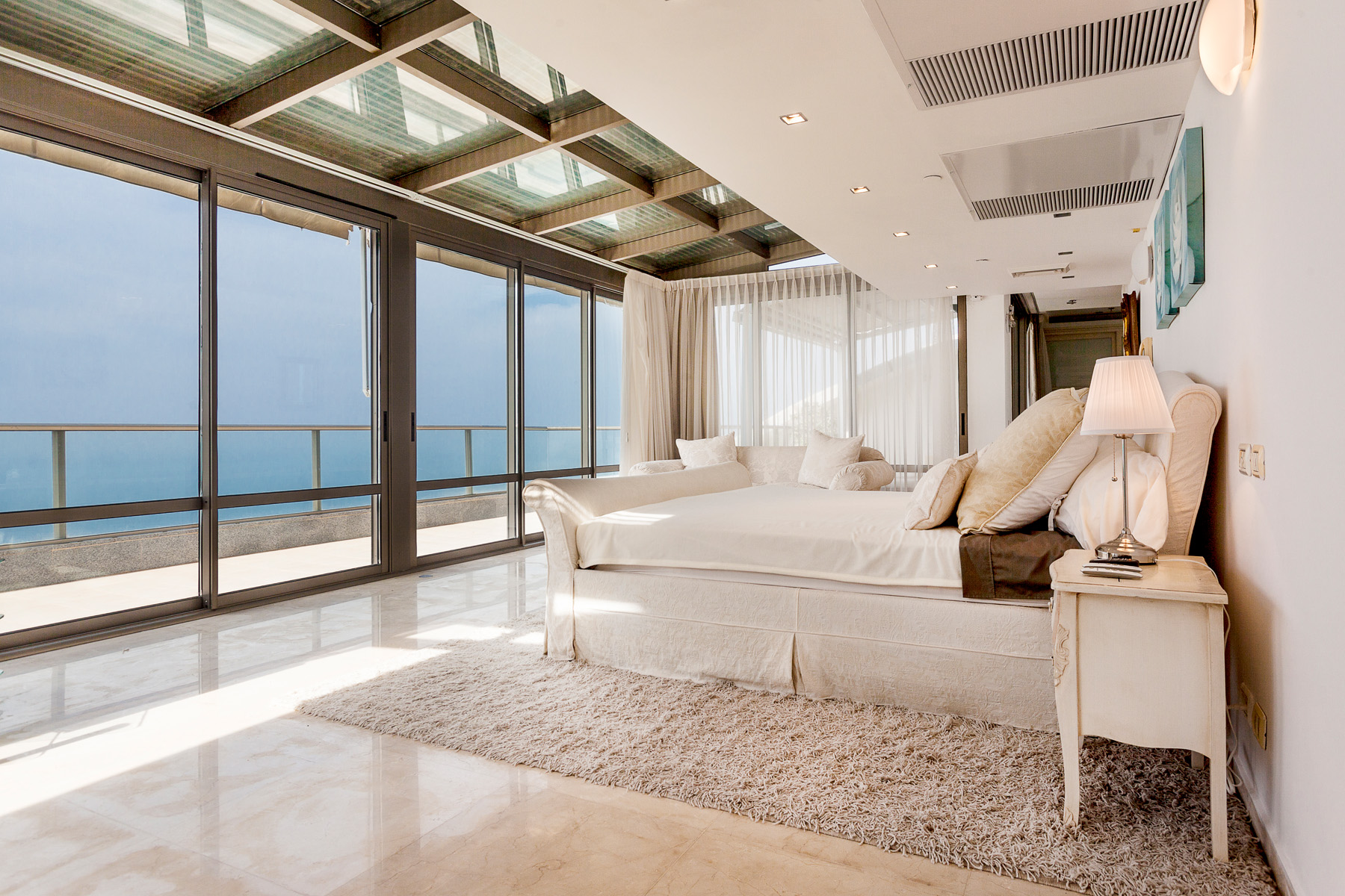 Additional photo for property listing at Refined Seafront Duplex Apartment in Netanya Netanya, Israel Israël