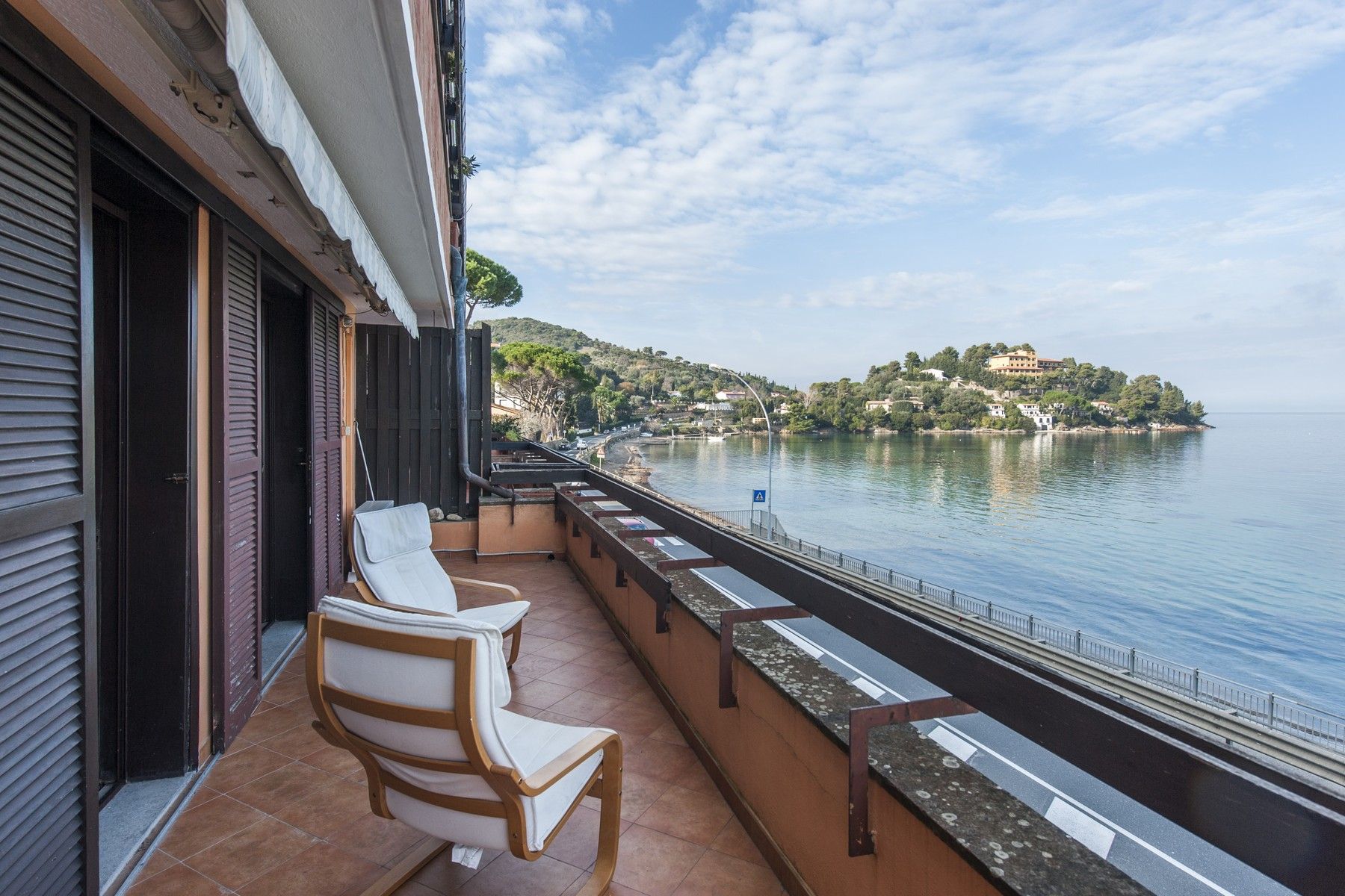 Apartamento por un Venta en Apartment overlooking the sea Porto Santo Stefano, Grosseto Italia