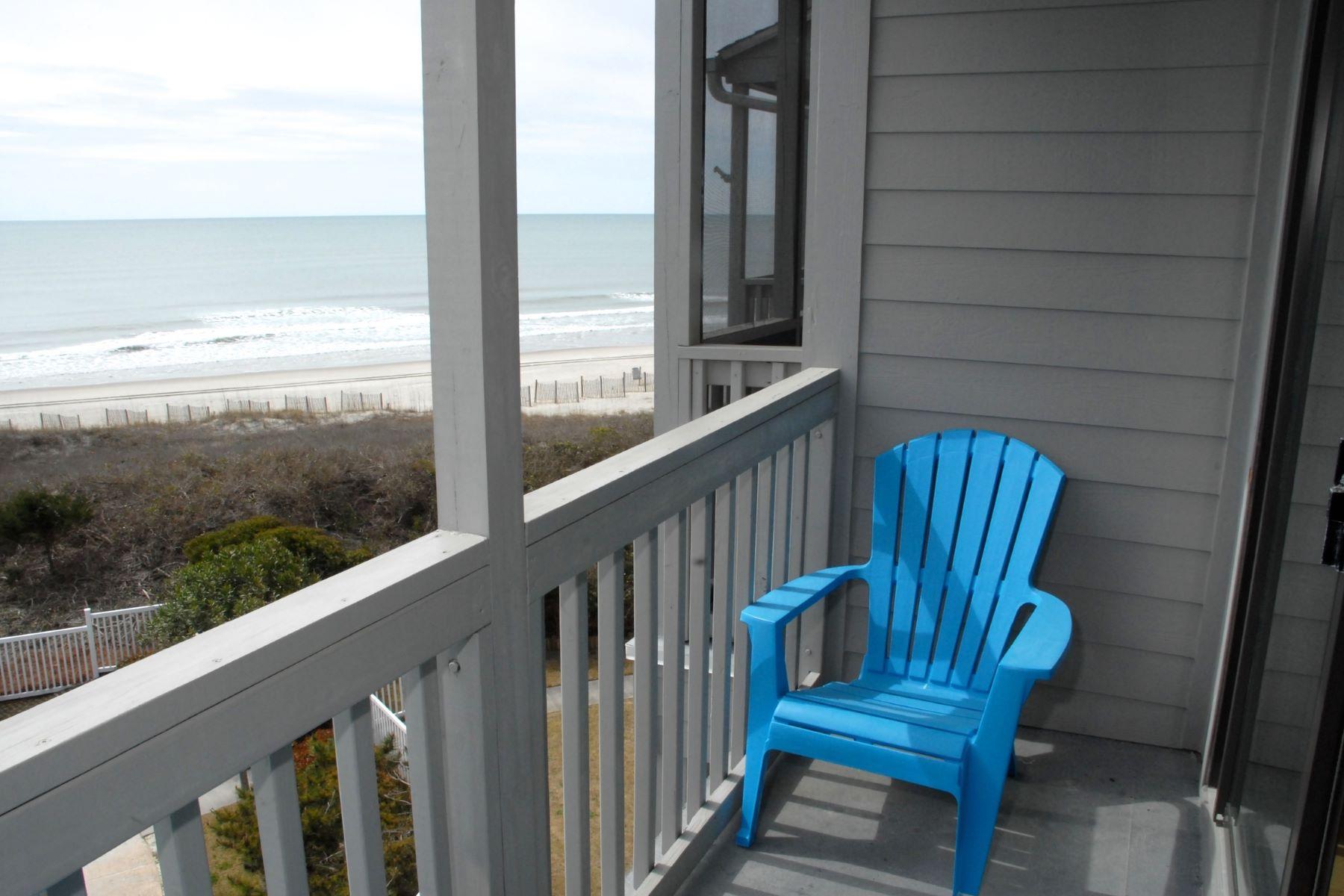 Appartement en copropriété pour l Vente à Island Inspired Oceanfront Condominium 2111 Fort Macon Rd W 314 Atlantic Beach, Carolina Du Nord, 28512 États-Unis