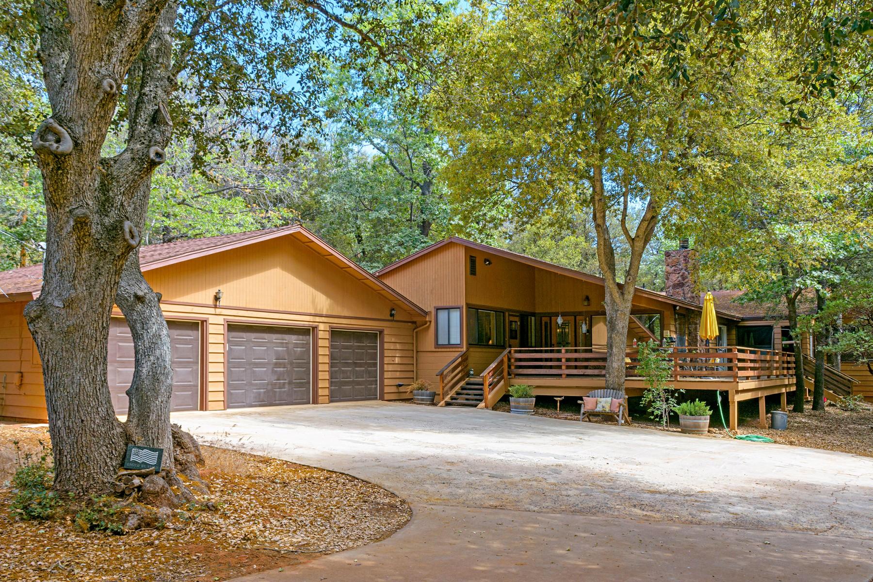 Maison unifamiliale pour l Vente à 4622 Luneta Drive Julian, Californie, 92036 États-Unis