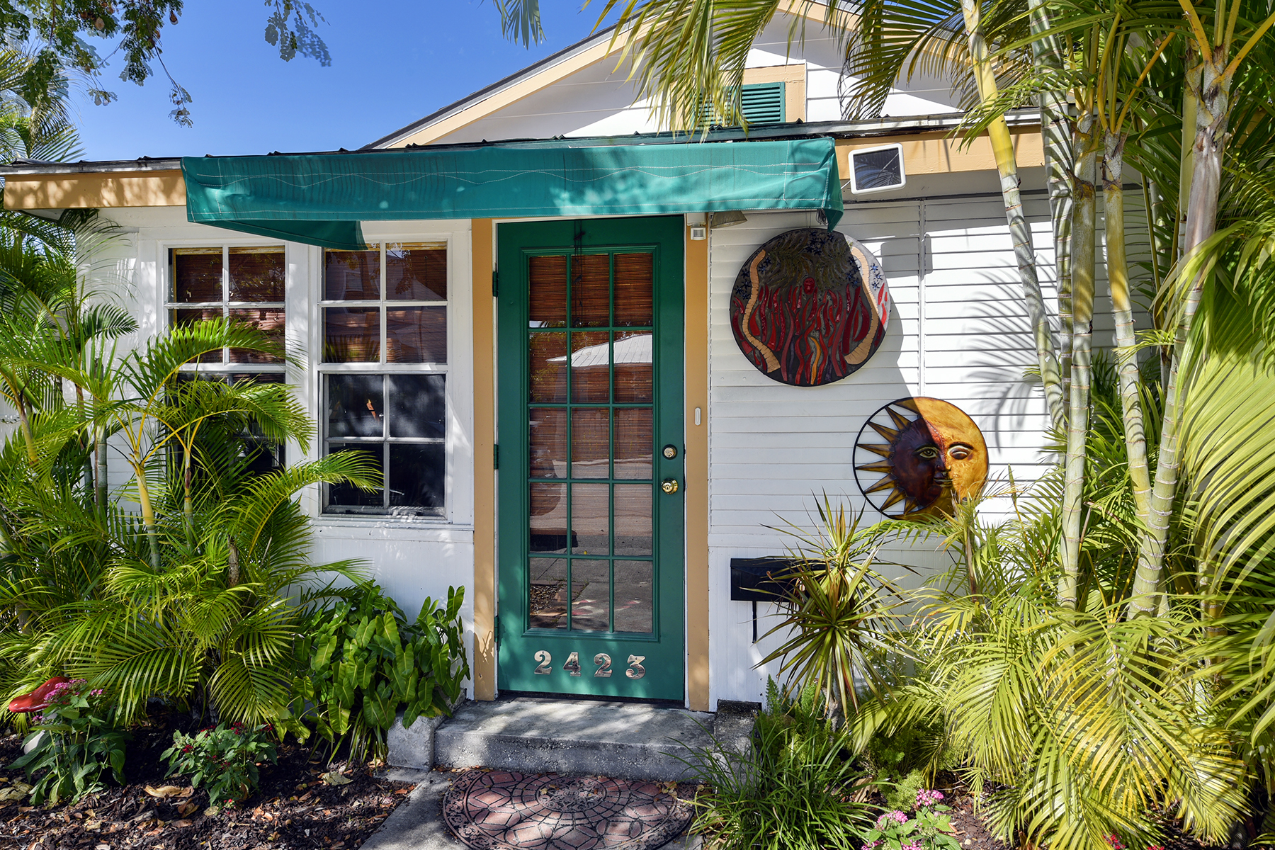 Maison unifamiliale pour l Vente à Lovely Key West Home 2423 Patterson Avenue Key West, Florida, 33040 États-Unis