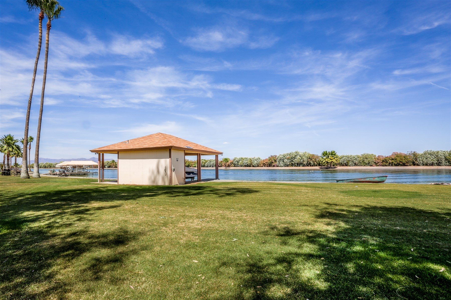 土地 のために 売買 アット Rare and unique opportunity to own a 1/2 acre lot on a tournament ski lake 8554 E Lake Rd San Tan Valley, アリゾナ, 85143 アメリカ合衆国