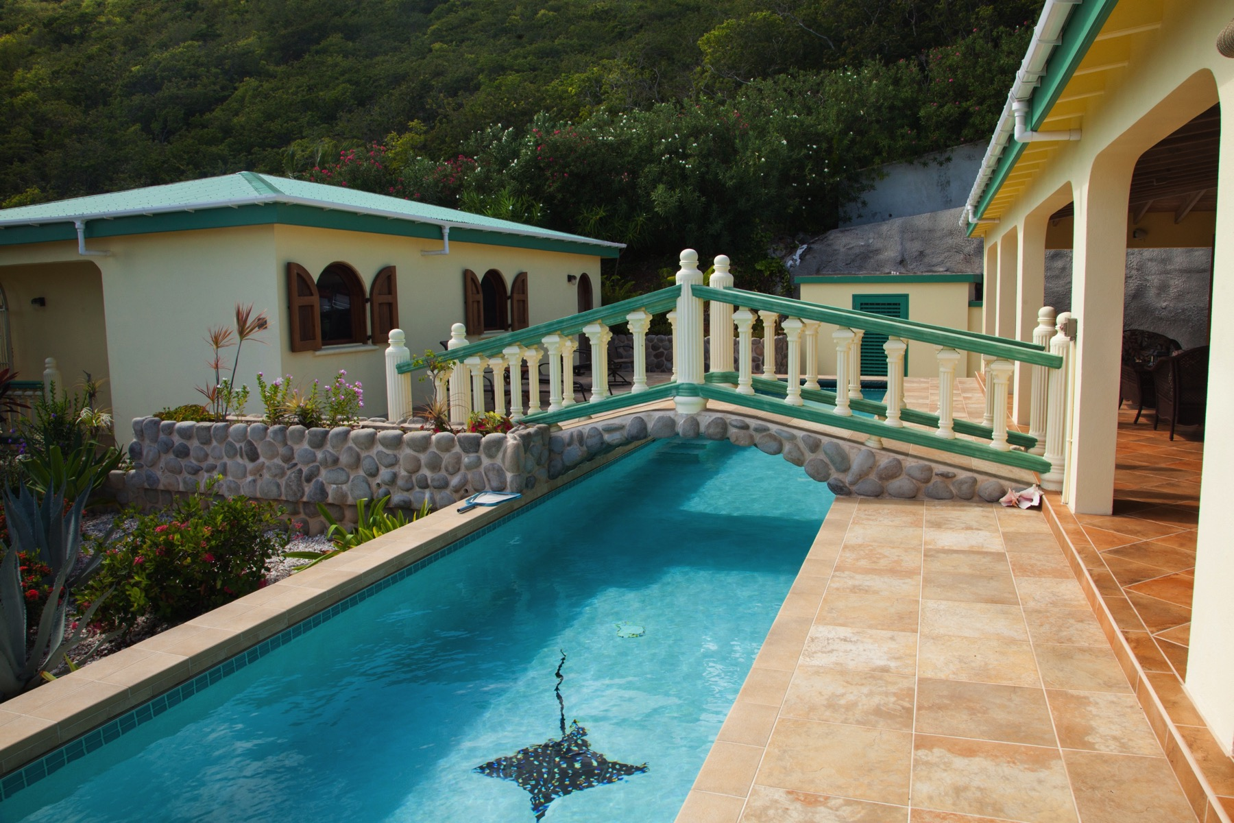 Additional photo for property listing at Hawk's Nest Hawks Nest, Tortola British Virgin Islands