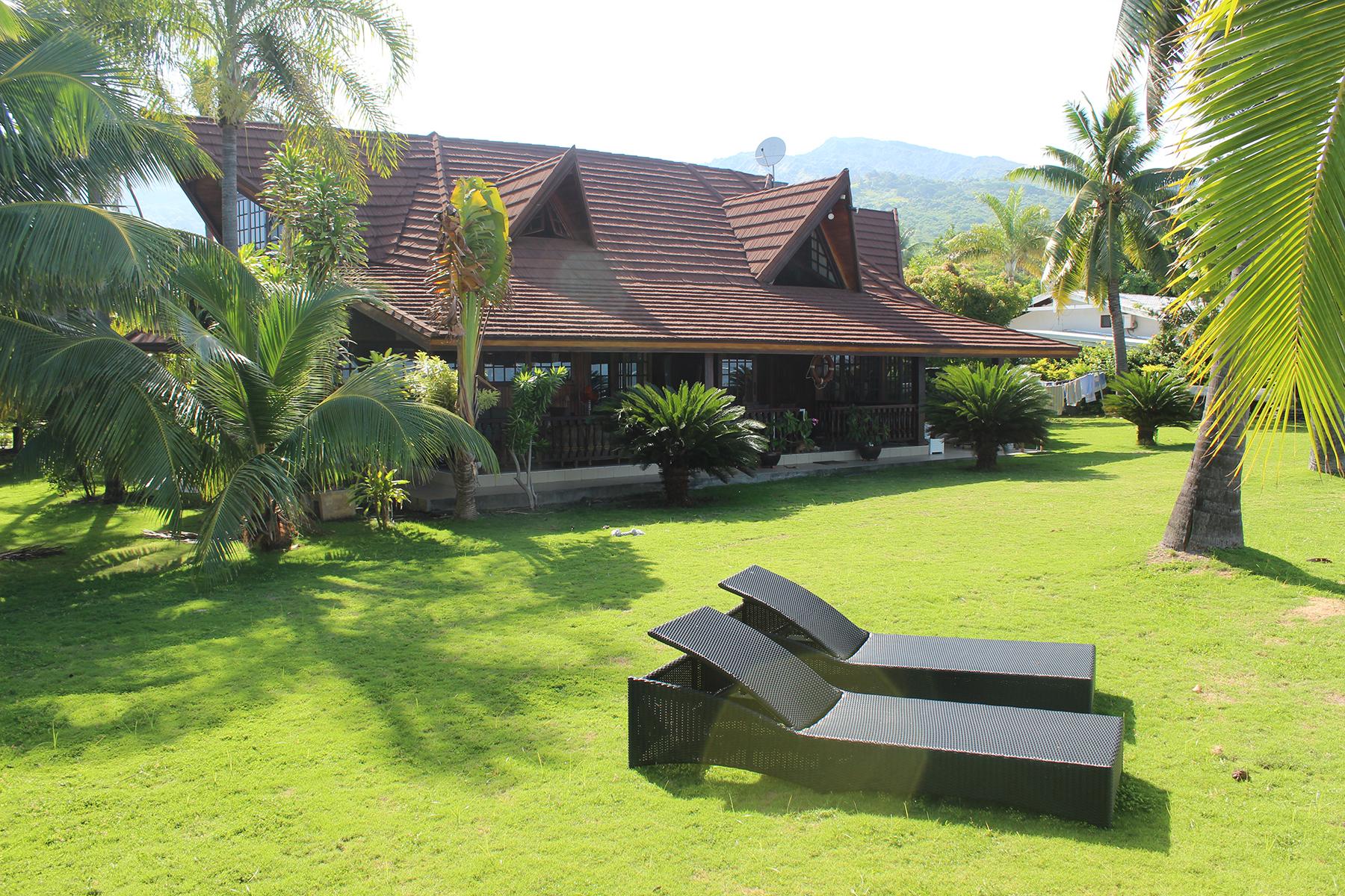 Casa Unifamiliar por un Venta en luxurious property in front of the lagoon Tahiti, 98718 French Polynesia