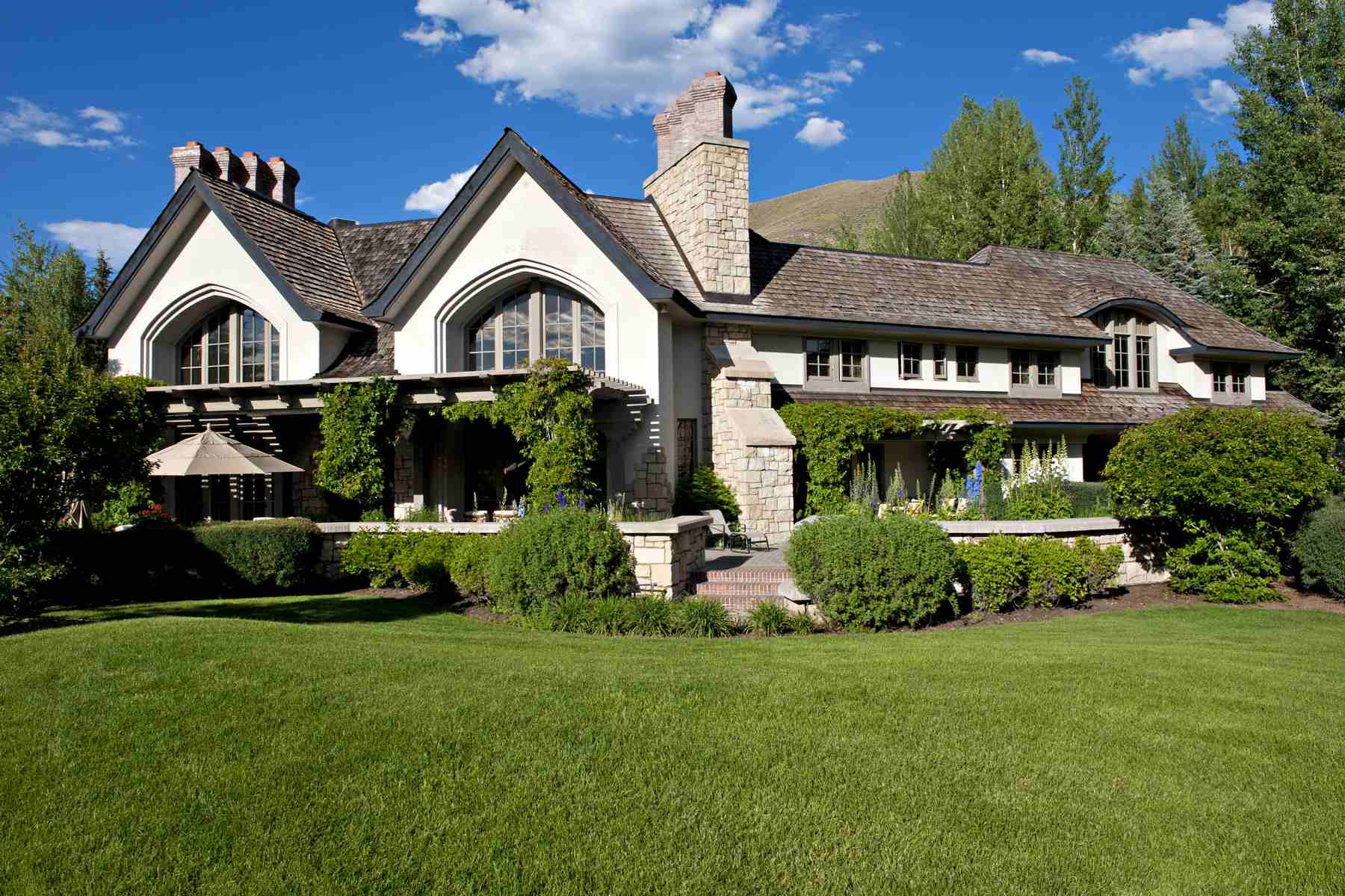 Single Family Home for Sale at Elegant English Country Manor 101 Wedeln Sun Valley, Idaho, 83340 United States