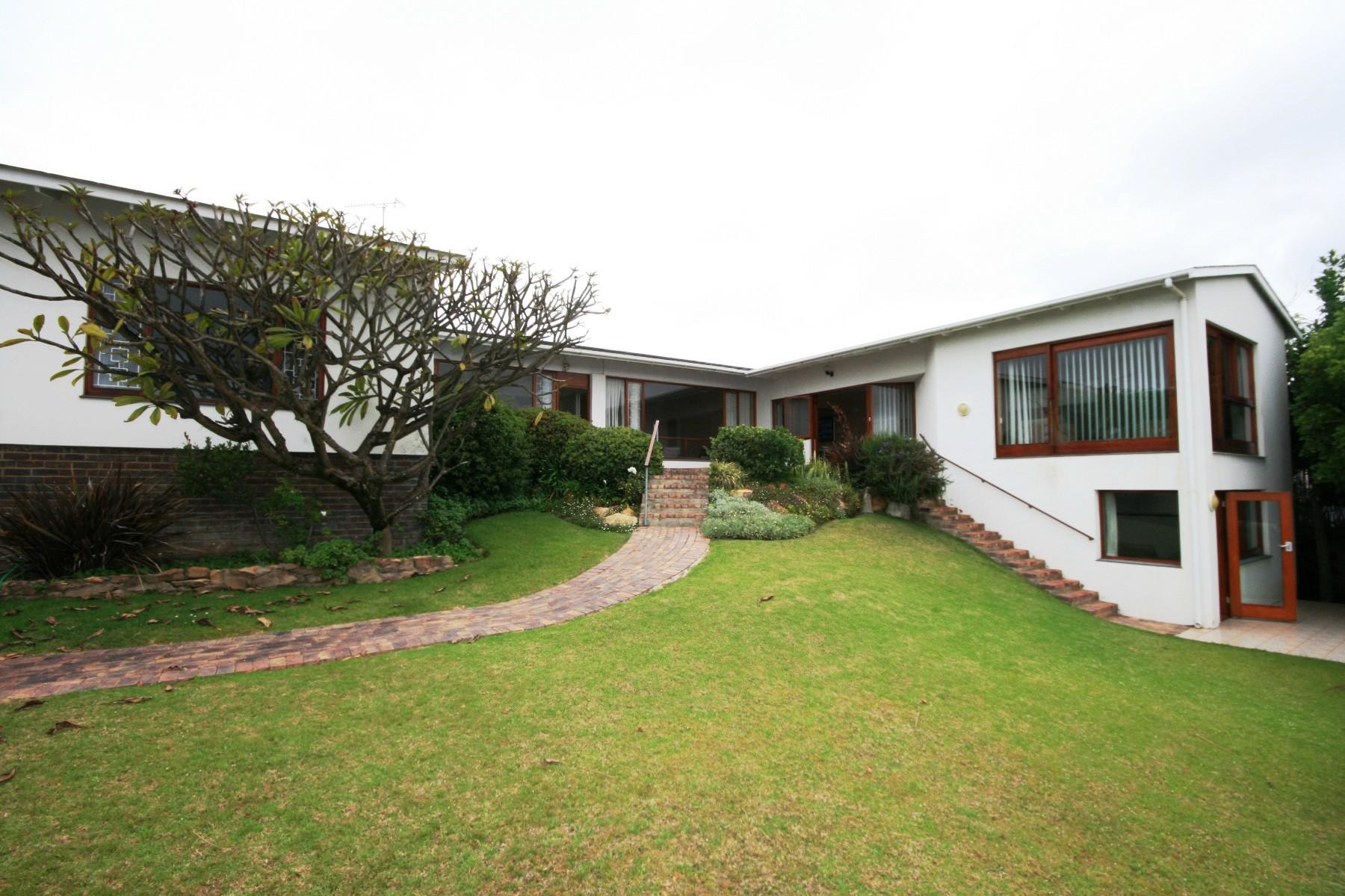 Maison unifamiliale pour l Vente à Spectacular Point of View Plettenberg Bay, Cap-Occidental, 6600 Afrique Du Sud