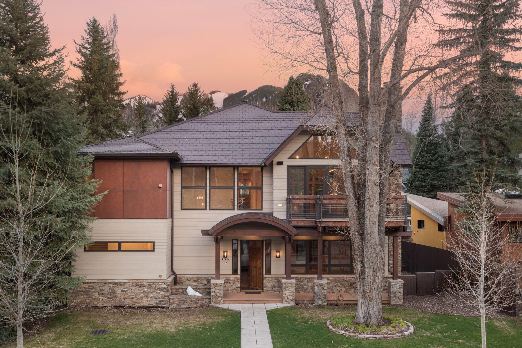 Частный односемейный дом для того Продажа на Enticing West End Contemporary 625 Gillespie Street West End, Aspen, Колорадо, 81611 Соединенные Штаты