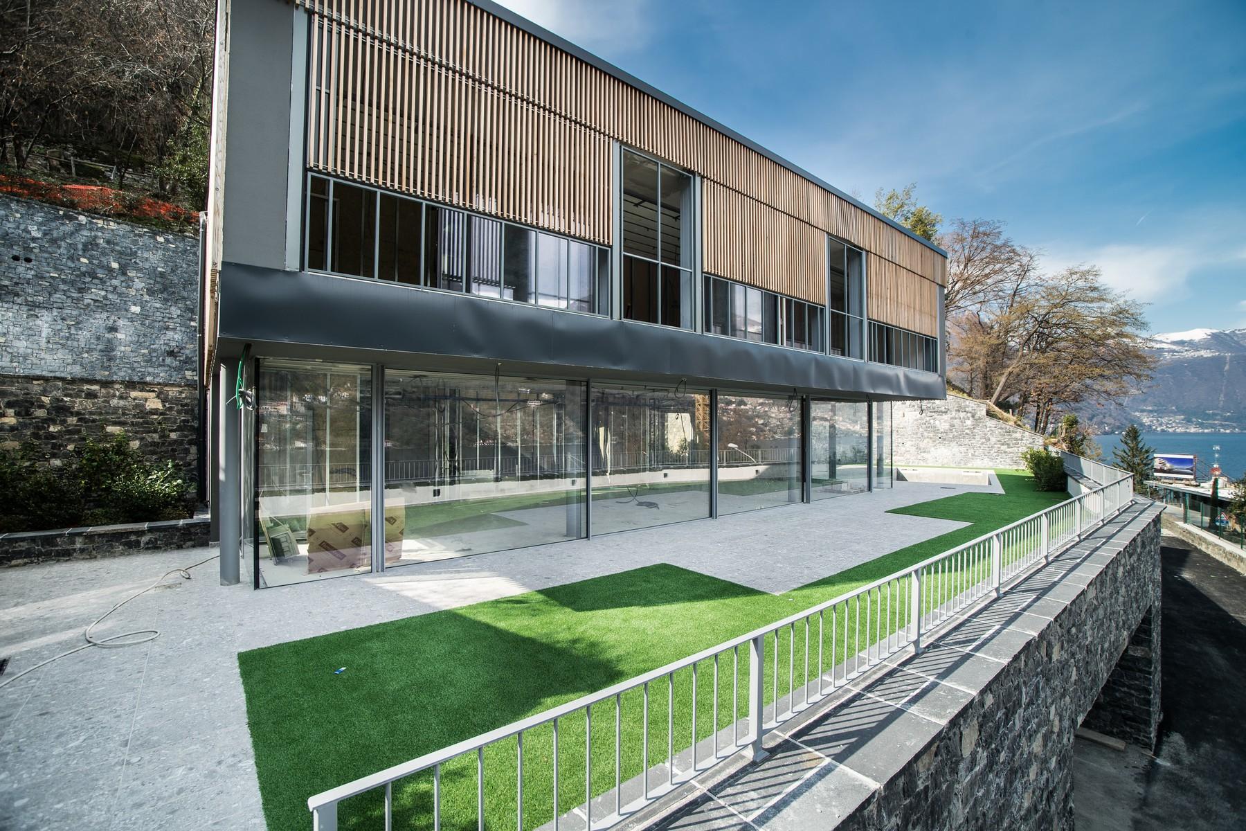 Additional photo for property listing at Prestigious modern villa with private swimming pool and magnificent Lake views Laglio Laglio, Como 22010 Italia
